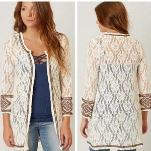 GIMMICKS by BKE Boho Lace Embroidered Cardigan MED